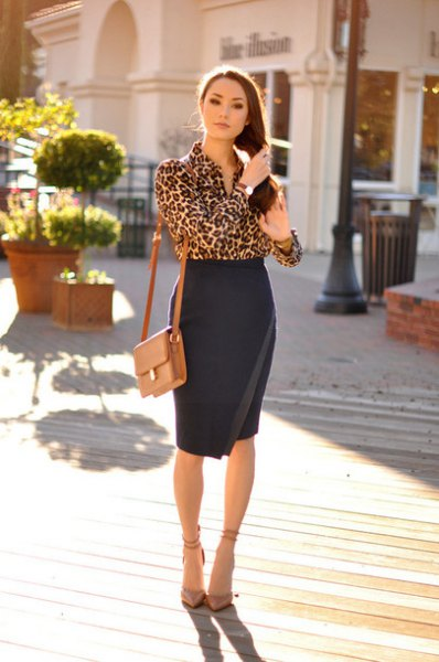 Blouse with leopard print and high waist, black, figure-hugging wrap skirt