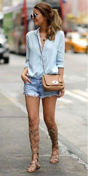 Light blue shirt with buttons, denim shorts and gladiator sandals