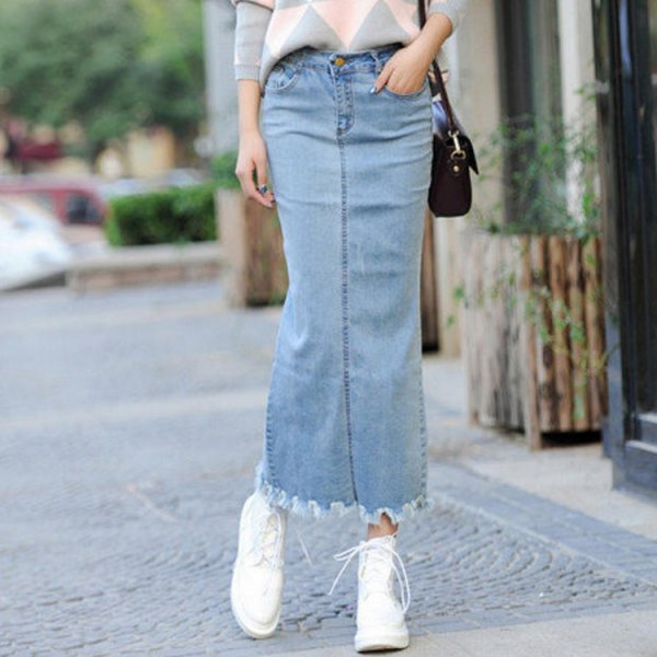 Light blue maxi denim skirt with gray and white patterned knitted sweater