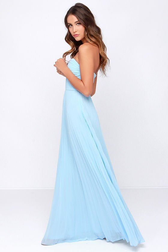 Best 15 Light Blue Maxi Dress Outfit Ideas for Ladies - FMag.c