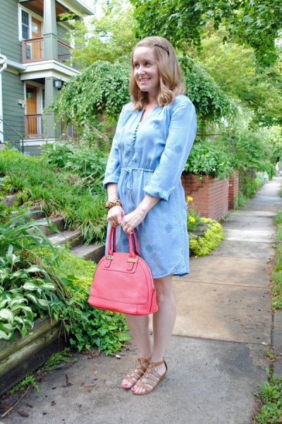 light blue mini chambray dress with pink leather handbag