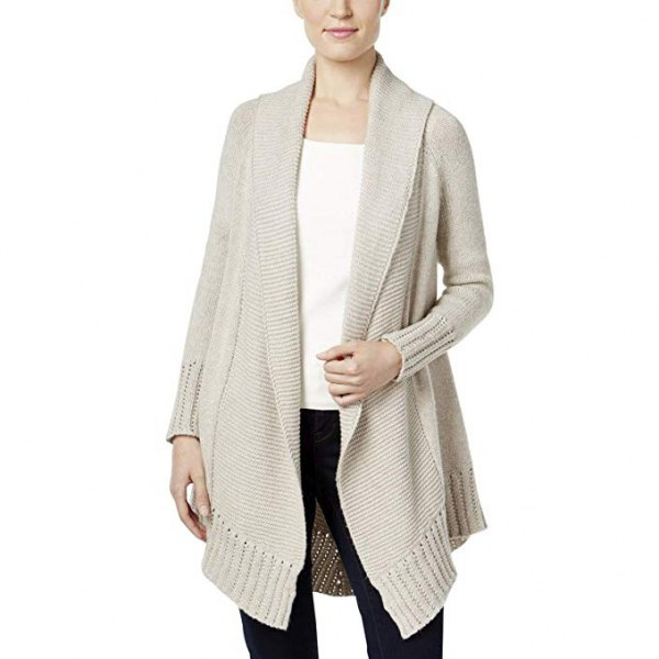 light gray cardigan with a long collar and black skinny jeans