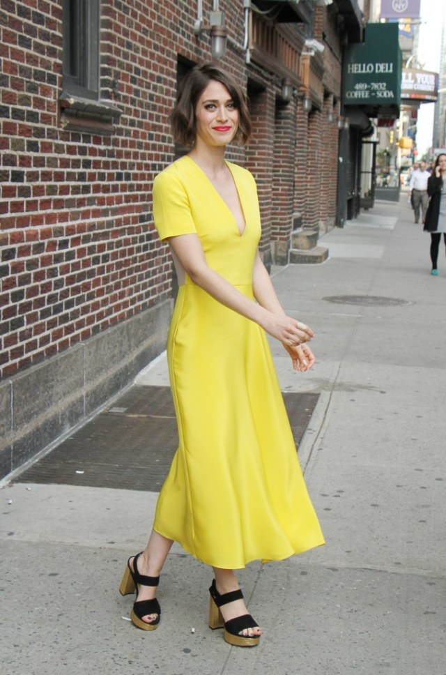 Lizzy Caplan yellow summer dress outfit