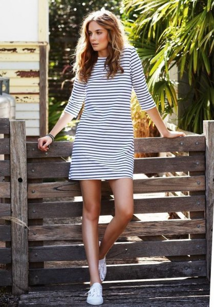 long-sleeved black and white striped t-shirt dress