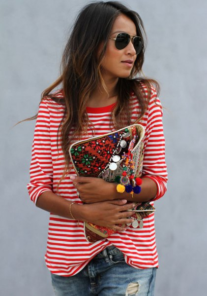 long-sleeved red and white striped t-shirt boyfriend jeans