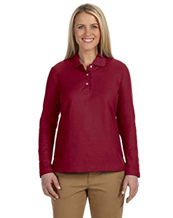 long-sleeved red polo shirt with green slim fit trousers