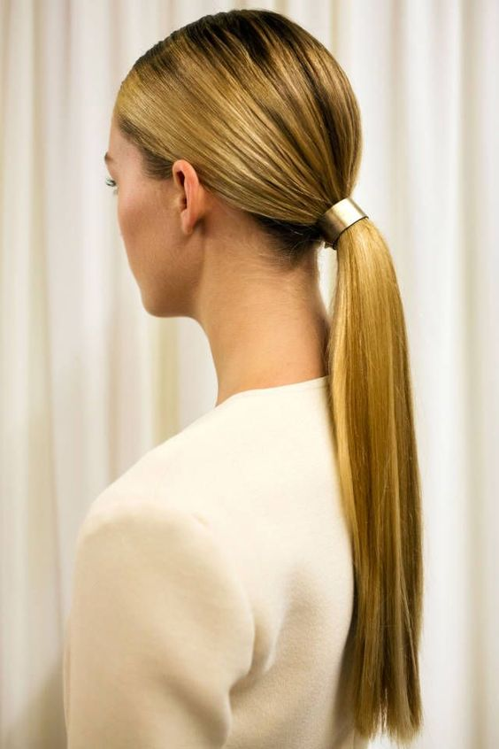 Interview with low ponytail hair