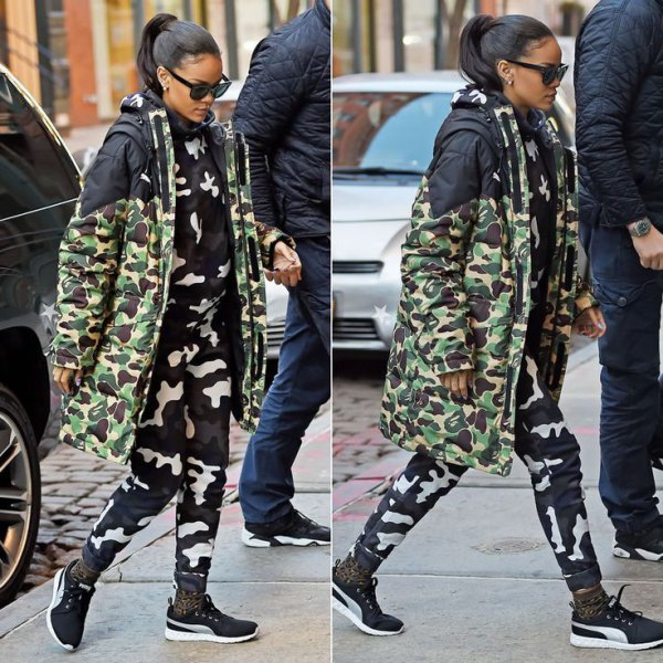 Midi camo jacket with matching pants and sneakers