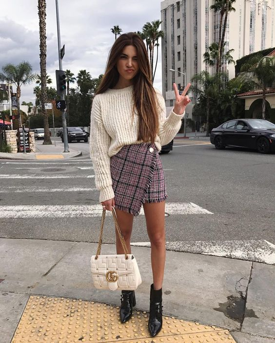Mini skirt sweater with boat neckline