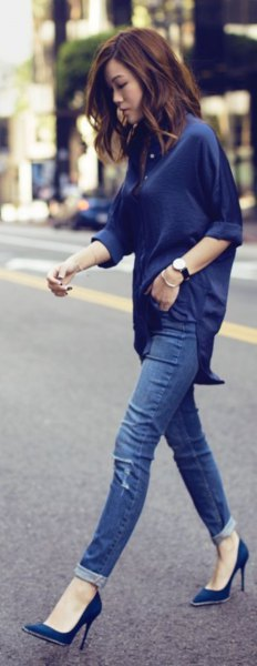 Dark blue top with a relaxed fit and matching ballerinas