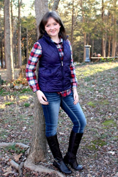 Dark blue quilted vest with red and white boyfriend shirt