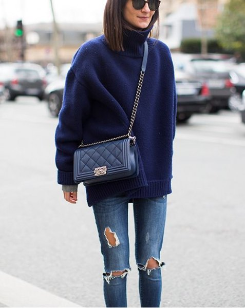 Dark blue turtleneck with ripped skinny jeans