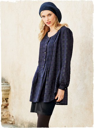 Navy plaid button top long top with black leggings