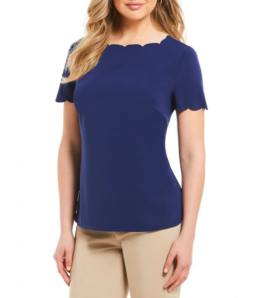 Navy scalloped T-shirt with pink drainpipe pants