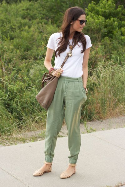 nude sandals beige sweatpants outfit