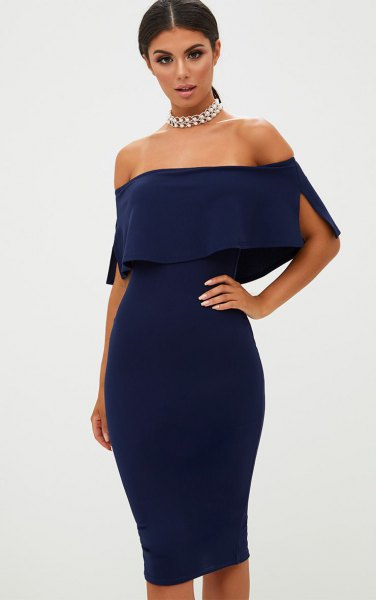 Strapless, figure-hugging midi dress with a silver choker necklace
