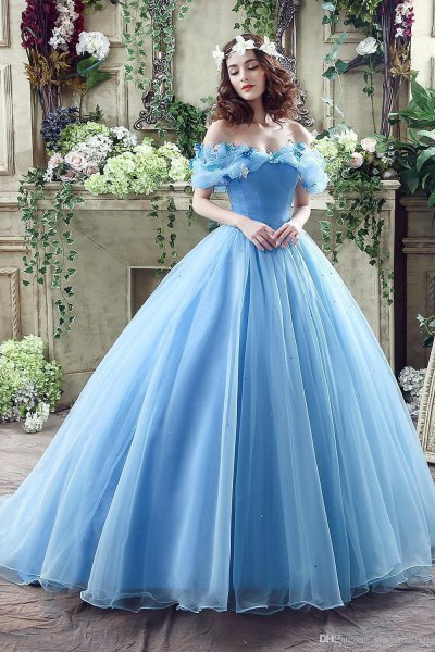 Shoulder blue light blue fit and flared floor-length chiffon dress