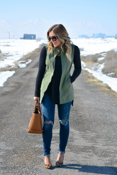 15 Casual & Stylish Olive Green Vest Outfit Ideas for Women - FMag.c