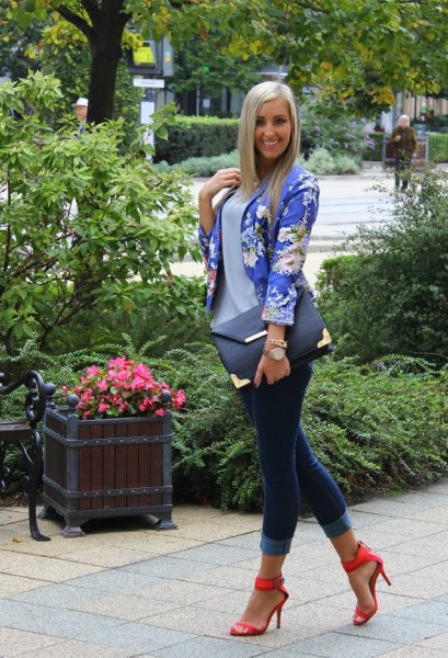 open toe strap with blue floral blazer