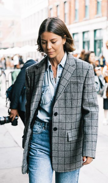 oversized blazer chambray shirt mom jeans