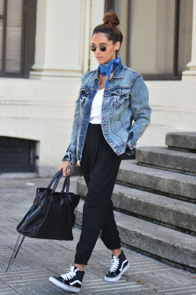oversized denim jacket jogs high-top vans