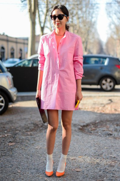 Light pink long-sleeved mini dress with neon ballerinas