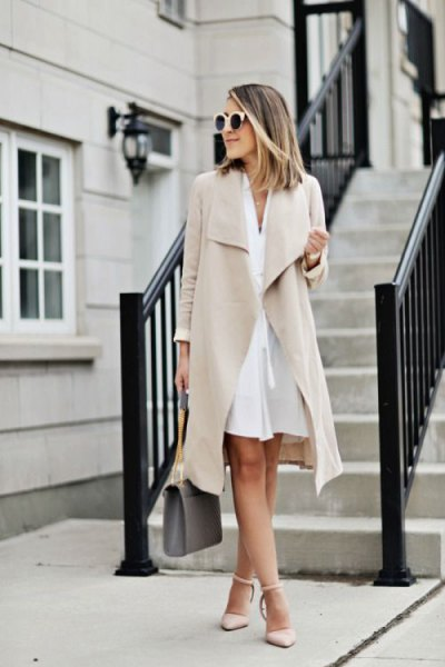 Light pink longline suit jacket dress with matching heels