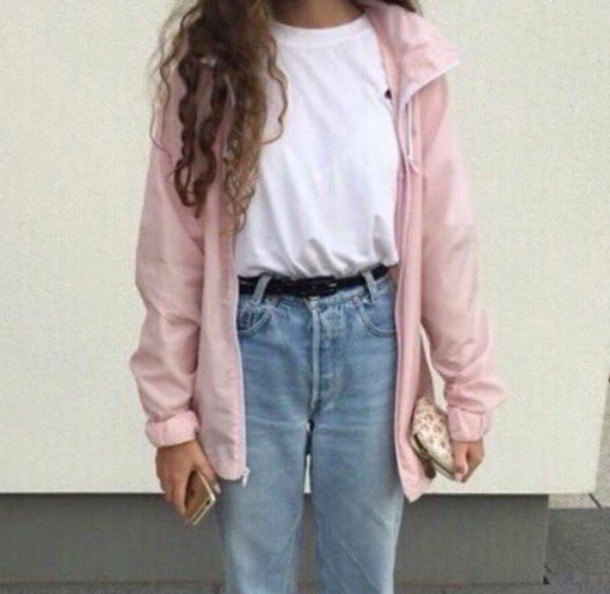 Light pink oversized windbreaker with white t-shirt and boyfriend jeans