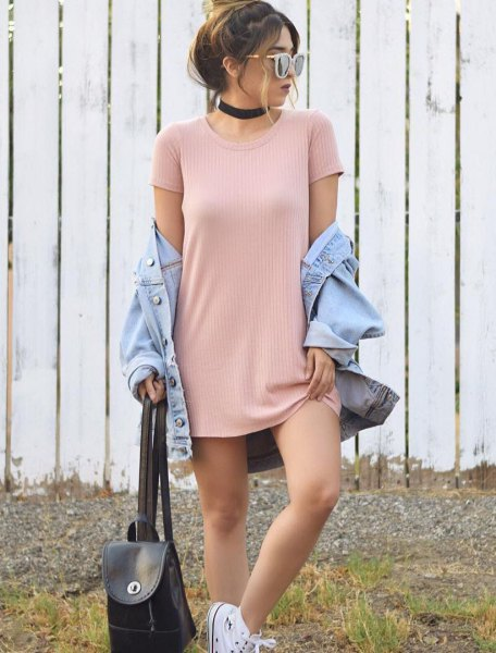 Light pink ribbed mini t-shirt dress with a light blue denim jacket