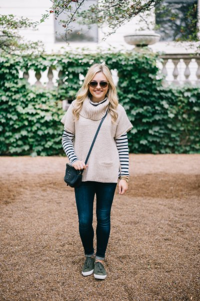 Light pink short-sleeved sweater with a black and white striped T-shirt