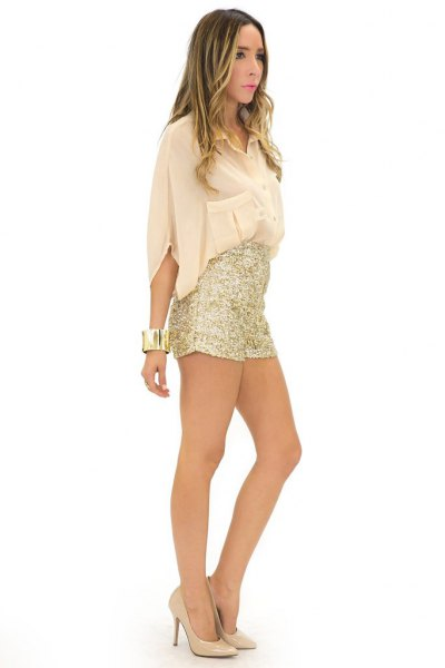 light pink wide-sleeved blouse