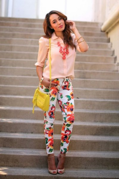 Light yellow shirt with buttons and pink open toe heels