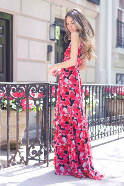 Maxi flowing dress with pink and black floral print