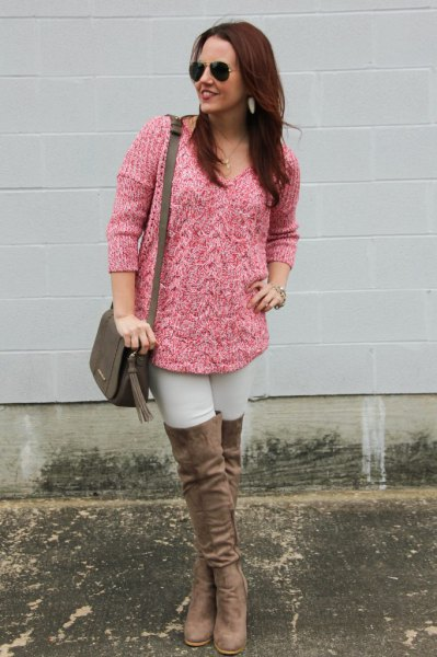 pink, coarsely marbled knitted sweater with stockings