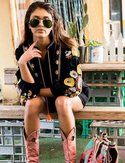 Best Outfits With Cowboy Boots For Wom