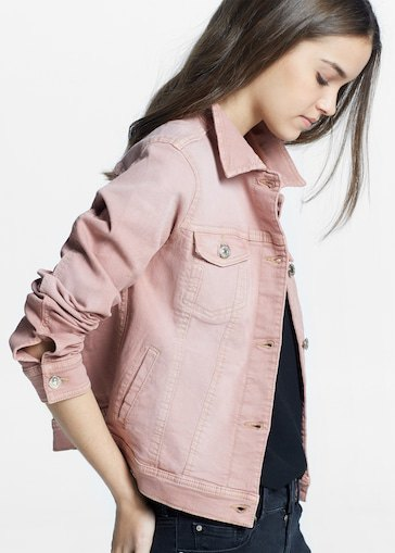 pink denim jacket with black t-shirt and matching skinny jeans