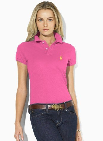 Polo shirt with dark blue skinny jeans with belt
