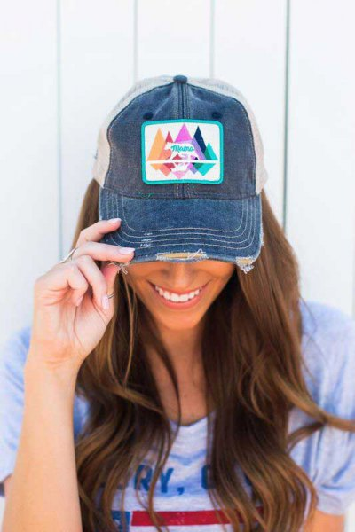 Printed denim baseball cap with t-shirt with pink print
