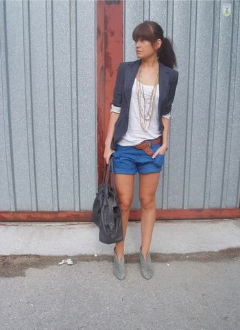 casual casual blazer with half sleeves and blue mini shorts