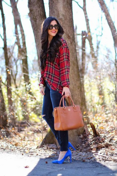 red and black checked flannel shirt with ripped jeans and royal blue heels