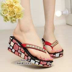 red and black printed flip-flop in Asian style with mini sheath dress
