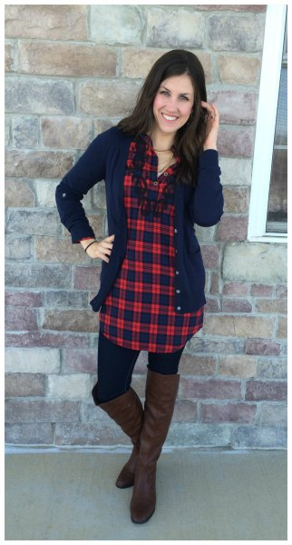 Checkered tunic in red and navy with a deep blue cardigan