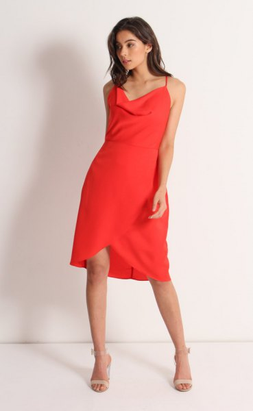 Knee-length tulip dress with a red waterfall neckline