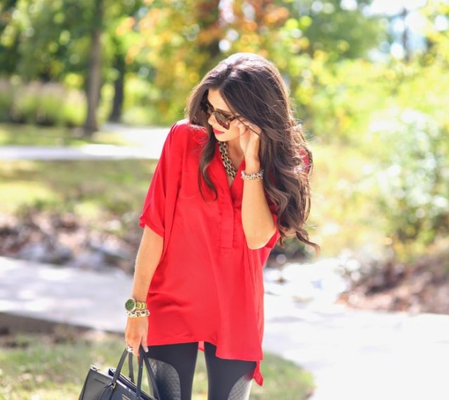 red tunic top with half sleeves and black leggings