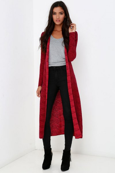 red midi cardigan with gray t-shirt with scoop neckline and black skinny jeans