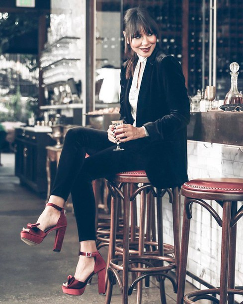 Red Platform Heels: 15 Amazing Outfit Ideas - FMag.c