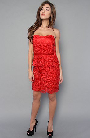 Red Strapless Dress Outfit Idea for Formal Occasio