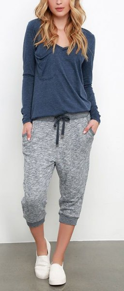 Long-sleeved T-shirt with a relaxed fit and lightly mottled, short-cut jogger sweatpants