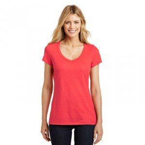 Relaxed fit t-shirt with scoop neckline and black skinny jeans