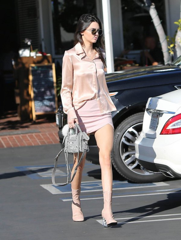 15 Super Chic Rose Gold Shirt Outfit Ideas - FMag.c
